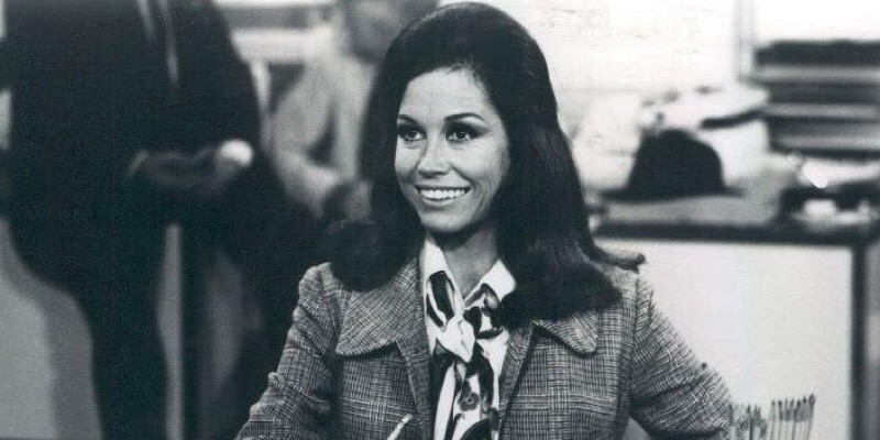 How Do You Memorialize Mary Tyler Moore Properly?